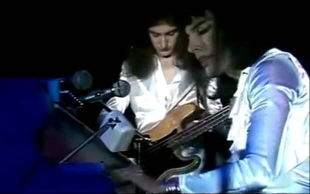 Bohemian Rhapsody. Одной из самых лучших песен в мире 40 лет!