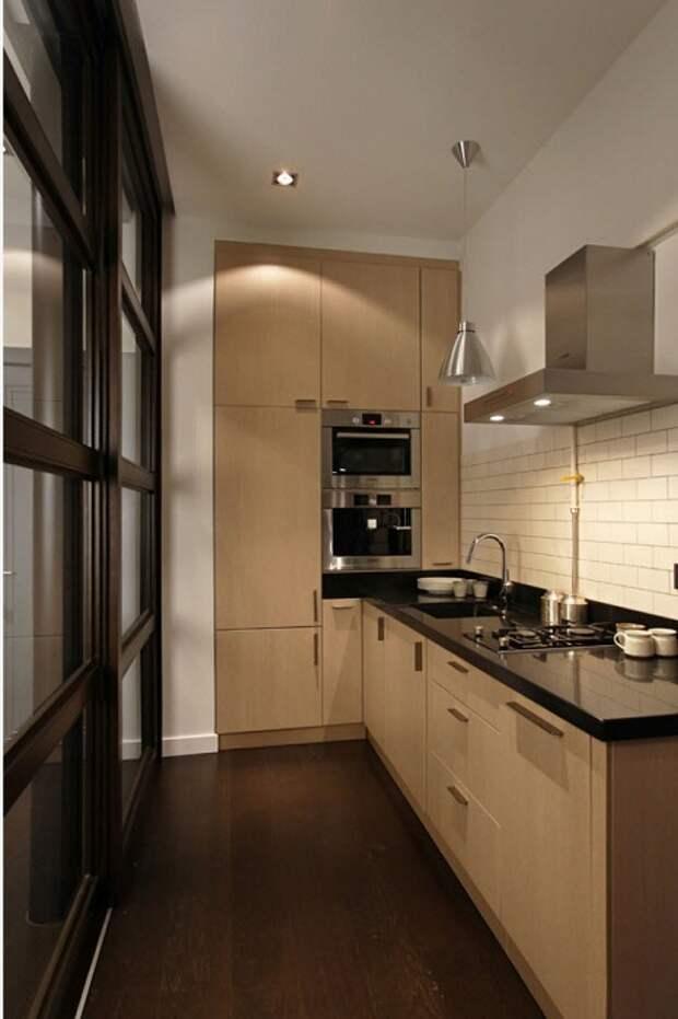 Даже в самой маленькой кухне можно разместить угловой кухонный гарнитур.