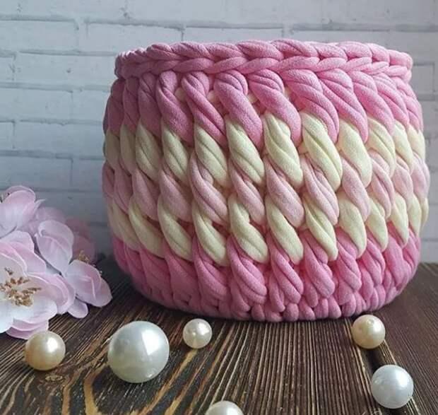 Вязаные корзинки для мелочей. Подборка идей для вязания из трикотажной пряжи...