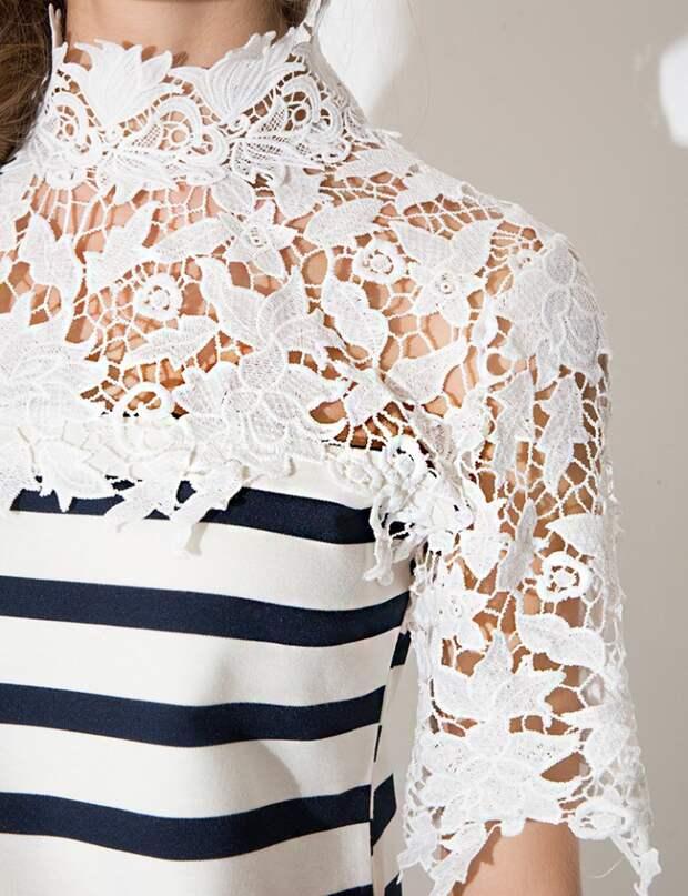 2 платья в полоску с кружевом
