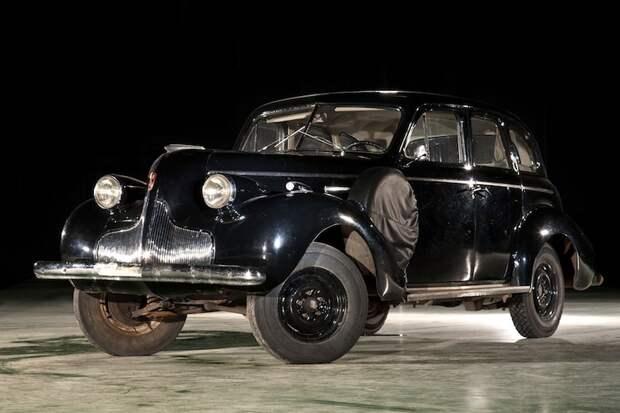 Легковой автомобиль Buick Special 8 (1939), США.jpg