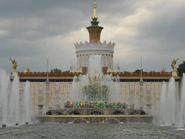 В Краснодаре до конца апреля запустят городские фонтаны