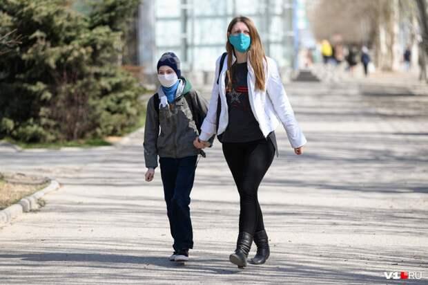 Деньги одиночкам: кто получит пособие на детей от 8 до 16 лет, которое пообещал Путин