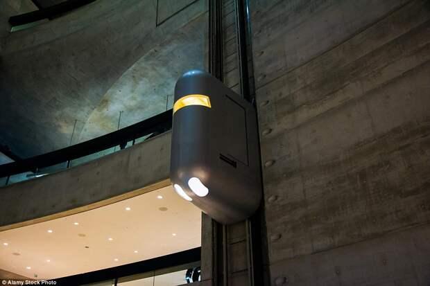 Лифты в Музей Mercedes-Benz