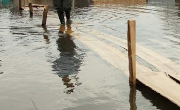 Более пяти тысяч человек остаются в зоне подтопления в районе Геленджика