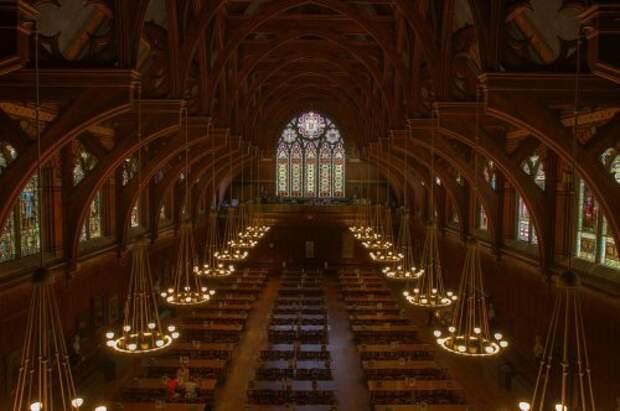 Учебные заведения, словно сошедшие со страниц книг о Гарри Поттере (21 фото)