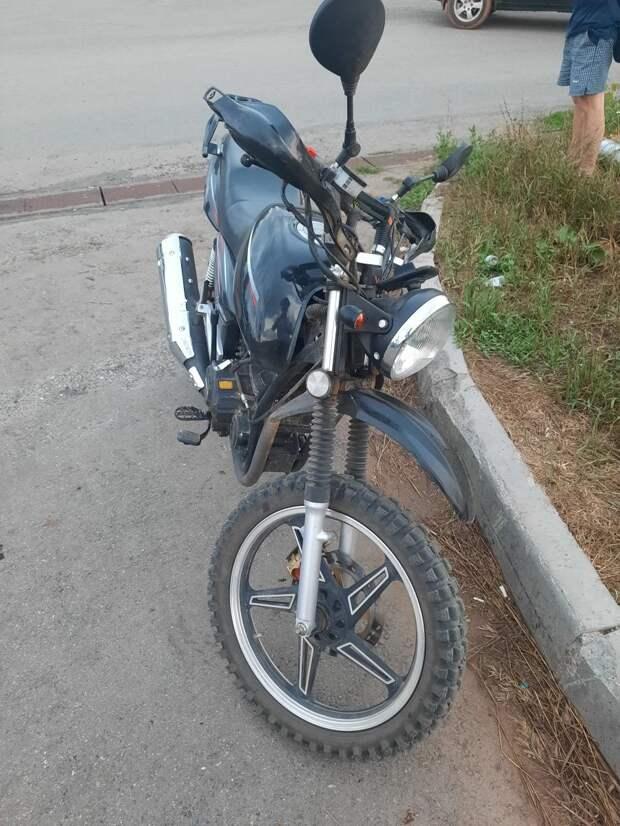 Подростки на мотоцикле без прав попали в аварию под Ижевском