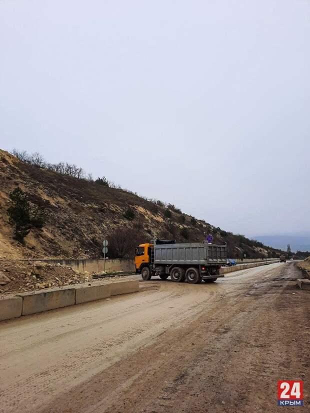 Сутки потратят для расчистки грунта, сошедшего на севастопольский участок «Тавриды»
