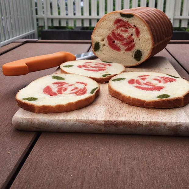Мама печет своему сыну весьма необычный хлеб. Вы только взгляните на эти шедевры!