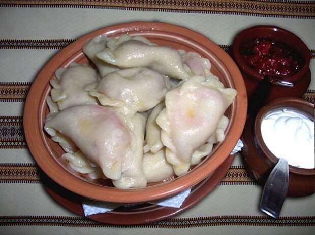 Рецепты по четвергам. Сладкие вареники. Вареники с вишней (В. 4)