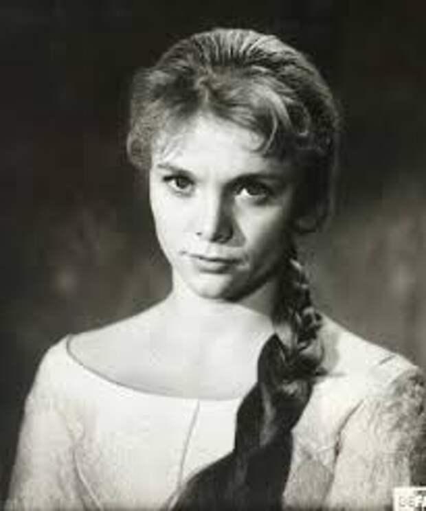 """Кок менялась принцесса из фильма """"Король Дроздобород"""" (актриса Карин Уговски) с течением времени."""