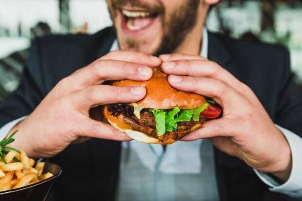 Настоящие гурманы: 5 знаков зодиака, любящих вкусно поесть