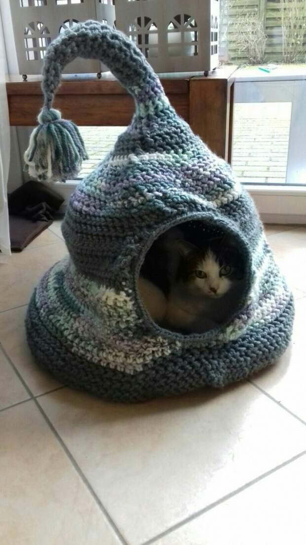 Вязаные кошачьи домики подборка