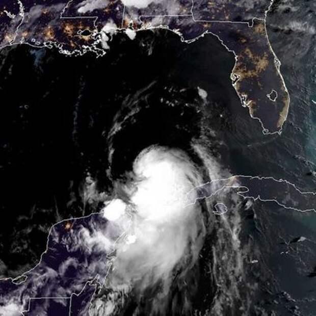 В США более 750.000 домов остались без света после удара урагана «Лаура»