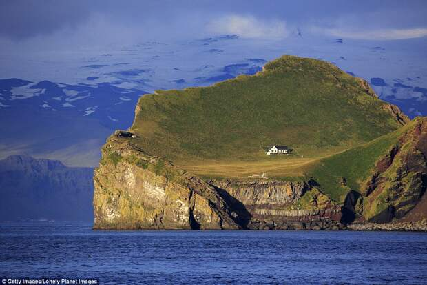 Единственный дом на острове Эдлидаэй в Исландии