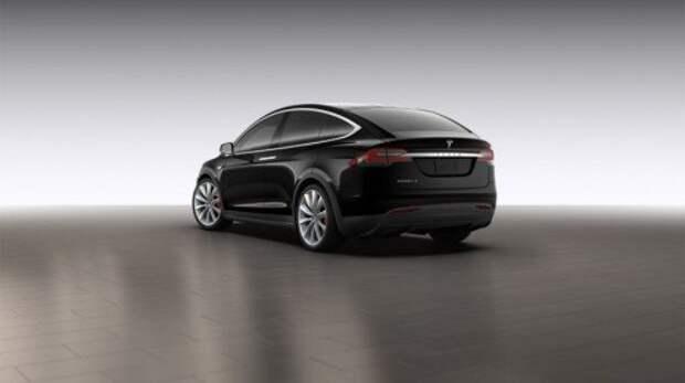 Рассекречены ТТХ и комплектации Tesla Model X