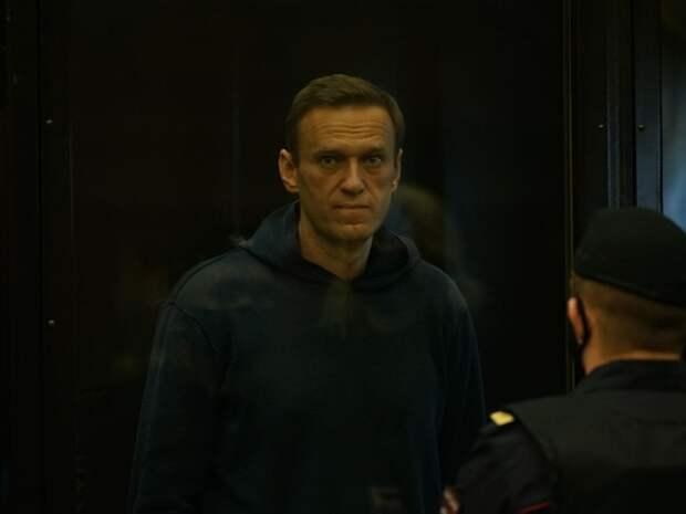 «Его состояние близится к критическому»: врачи написали письмо руководителю ФСИН с просьбой допустить их к осмотру Навального