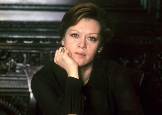 Вот в каких легендарных фильмах Рязанова должна была сыграть Алиса Фрейндлих