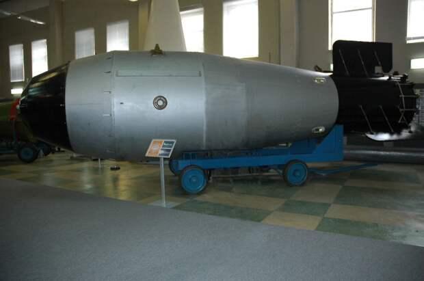 Как сделать атомную бомбу 3