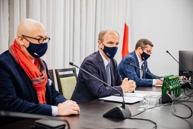 Сенат Польши приняли резолюцию в поддержку Украины