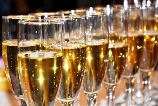 Эксперты вслепую продегустировали и оценили крымское вино