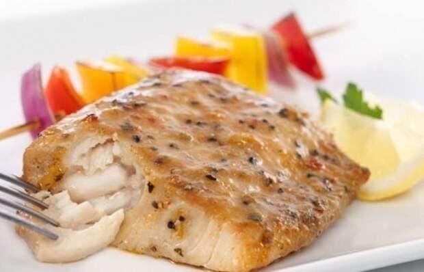 Вкусная и полезная рыбка - Минтай в соусе Нам для этого потребуется: килограмм филе минтая,...