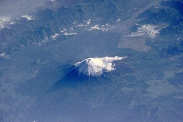 Многоликая Фудзияма: серия снимков священной горы от разных фотографов
