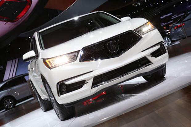 Acura MDX рассовал электромоторы «по карманам»