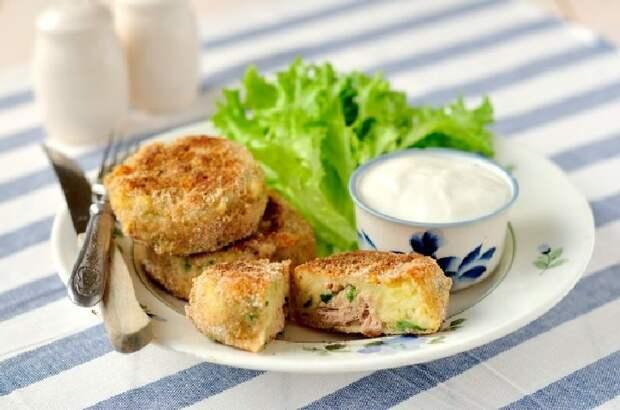 Картофельные котлеты с рыбной начинкой. \ Фото: bigmir.net.