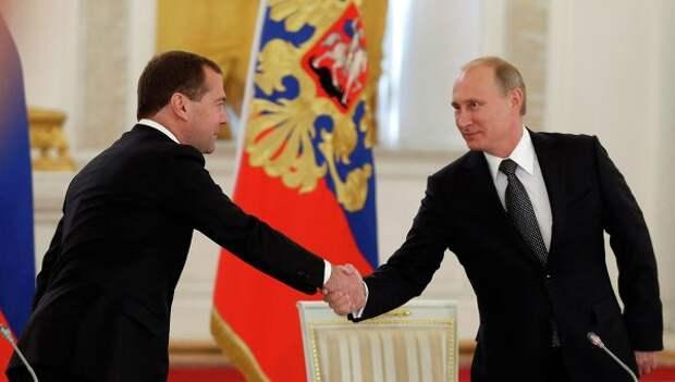 Рейтинги Путина и Медведева остаются на высоких отметках: 86% и 71%