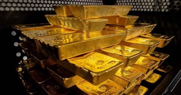 Некоторые страны решили забрать из Штатов свое золото