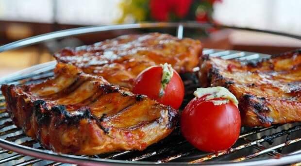 «Как на гриле»: вкуснейшие ребрышки, сделанные в духовке