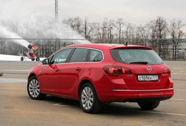 Ситуация с Opel и Chevrolet затронет 2,4 млн автовладельцев в России