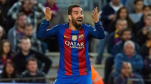 Арду Турана приговорили к32 месяцам лишения свободы. Онпо-прежнему принадлежит «Барселоне»