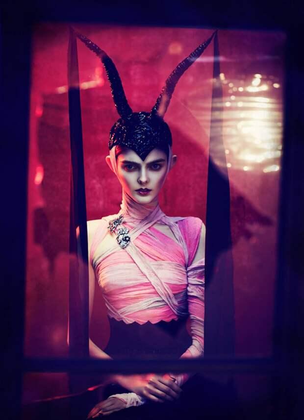 Хэллоуин и черные коты: чарующий магнетизм в работах Елизаветы Породиной