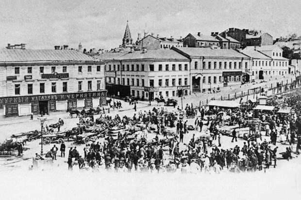 Трубная площадь — в XIX веке вечером одному лучше было по ней не гулять