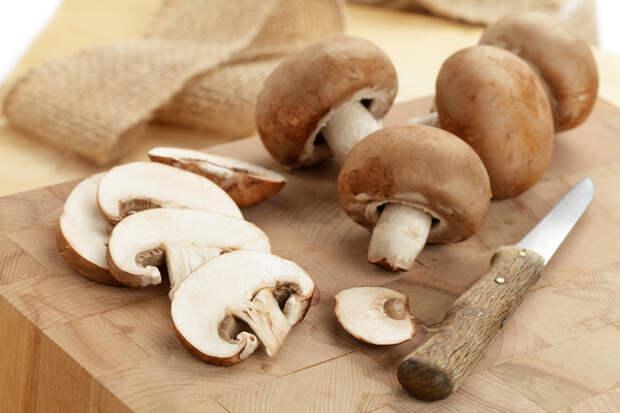 Белые, лисички, шампиньоны, моховики или маслята можно не отваривать