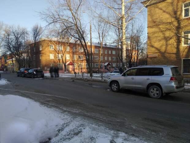 Виновник ДТП с четырьмя машинами в Ижевске скрылся с места происшествия
