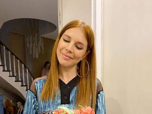 Наталья Подольская показала живот на последнем месяце беременности