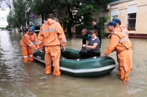 МЧС предупредил о штормовом ветре и ливневых дождях в Крыму