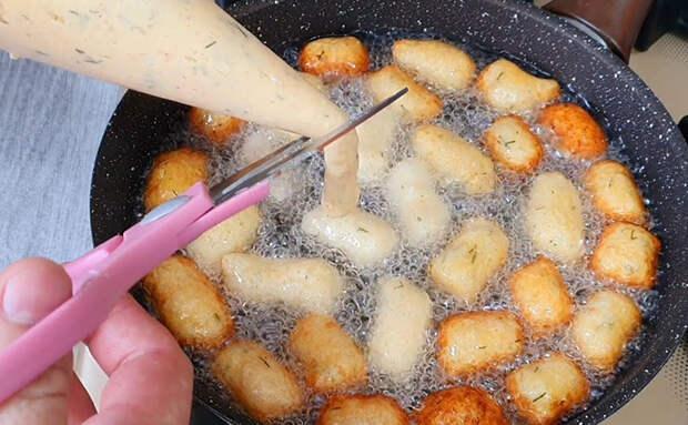 Жарим картофель с добавлением муки: теперь корочка получается всегда