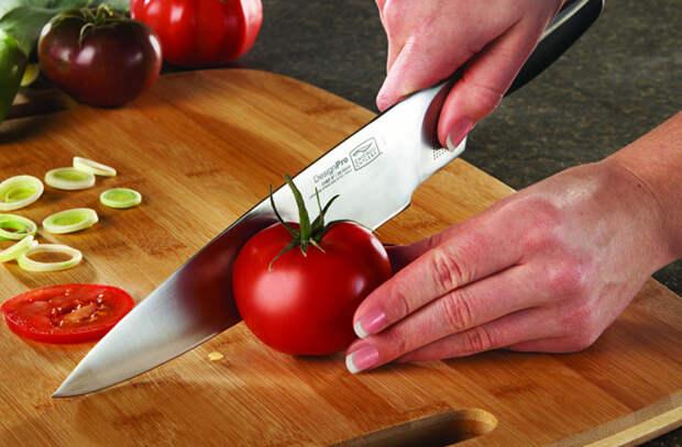 Нож на кухне прослужит долго и не затупится: повар рассказал основы