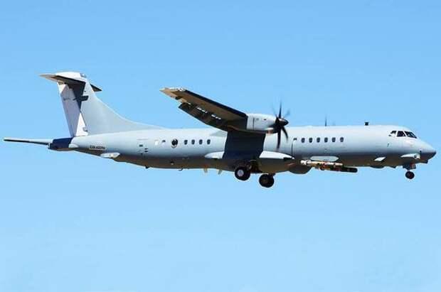 Турецкий самолёт разведчик замечен близ российских границ над Чёрном морем, в том же регионе летала авиация ВВС США