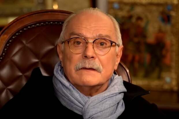 «Чем недовольны?»: Михалков раскрыл гонорары «страдающих от режима» актеров