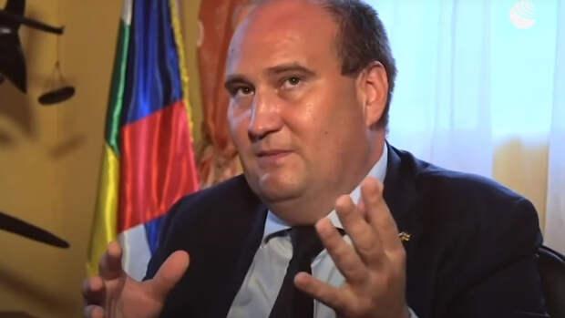 Советник президента ЦАР рассказал о клевете Запада в адрес России