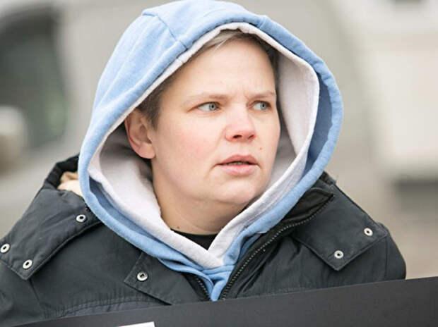 Лишившаяся приемных детей после удаления груди россиянка назвала себя мужчиной