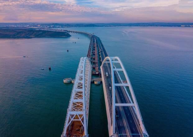 Крымский мост могут закрыть для движения авто