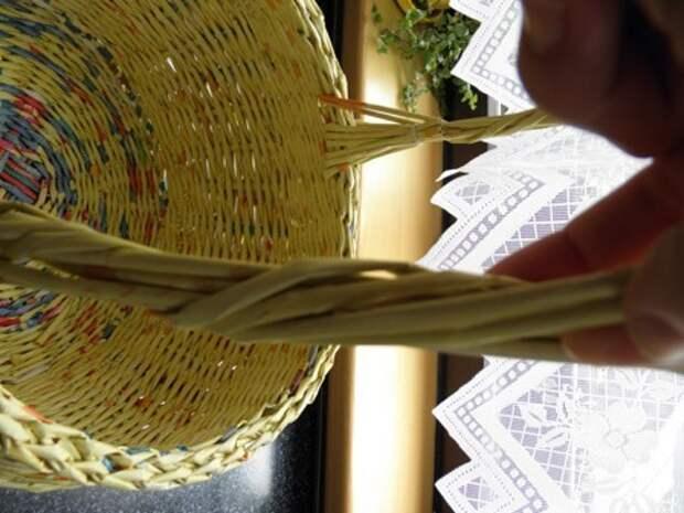 плетение из газет. корзинка из газетных трубочек (7) (336x448, 64Kb)