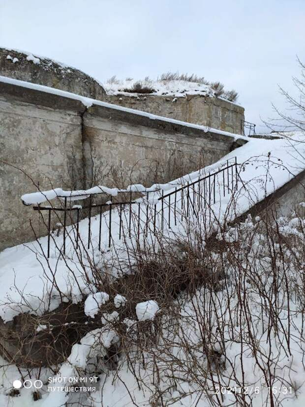 Поход в форт Тотлебен на лыжах по льду