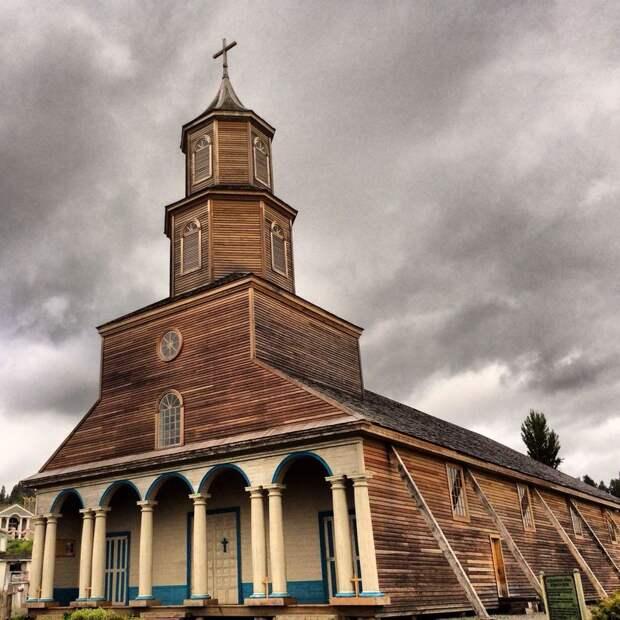 Остров Чилоэ и его деревянные церкви, которые пережили не одно землетрясение